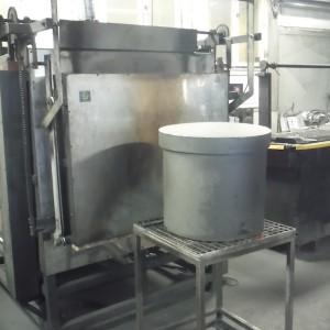 Nerezová cementační nádoba pr. 500 mm.