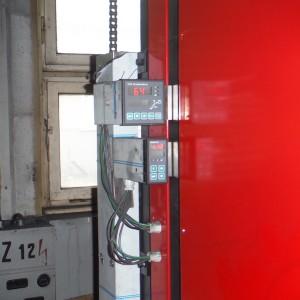 Dvojí kontrola teploty přední a zadní části komory pro dosažení minimálního rozdílu teplot v komoře pece při žíhání.