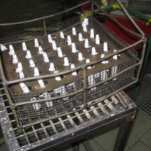 Součásti v přípravku na kalení opatřeny ochranným nátěrem proti oxidaci a oduhličení.